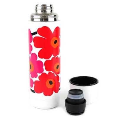 お子さん用として最適なマリメッコの水筒タイプが販売されています!大人気アイテムですのですぐに売り切れになる可能性ありです。
