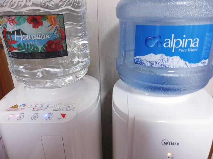 お水ボトル取り替え位置がサーバー上部にあるウォーターサーバー