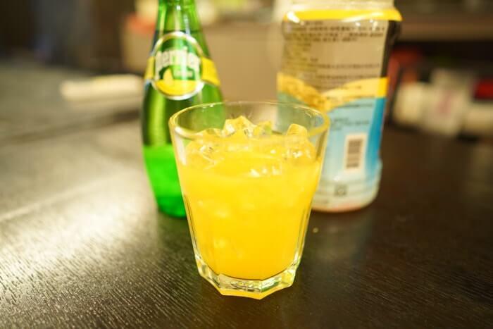 1番飲みやすいのが、こちらのペリエ×オレンジジュースで割ったアレンジレシピでした!