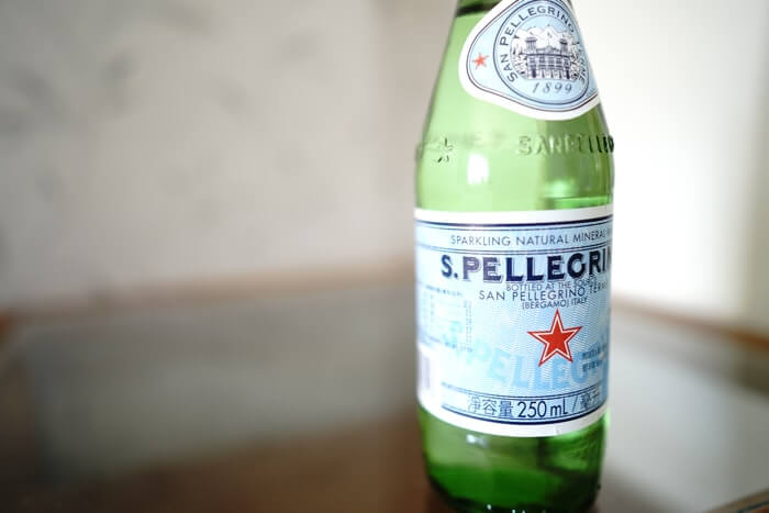 おしゃれなボトルパッケージデザインが特徴のサンペレグリノ