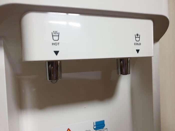 エコサーバーの給水コック画像