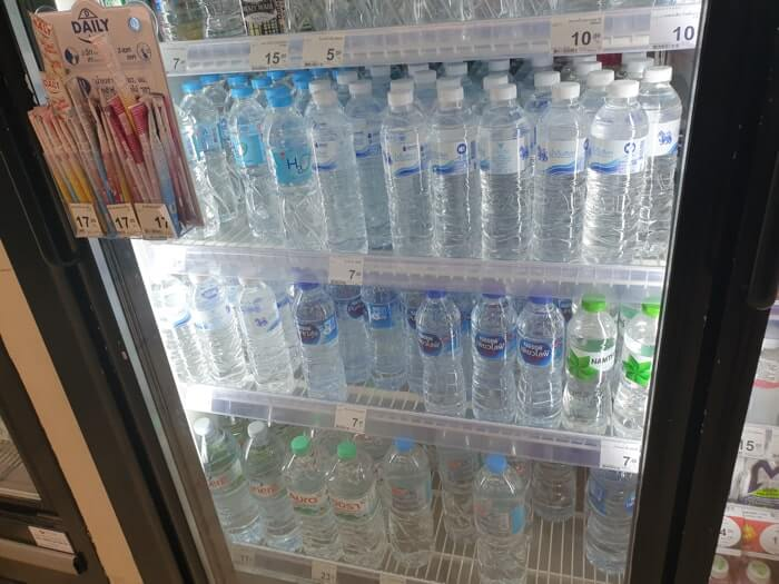 バンコクのコンビニで購入できるお水(ミネラルウォーター・蒸留水)の一部