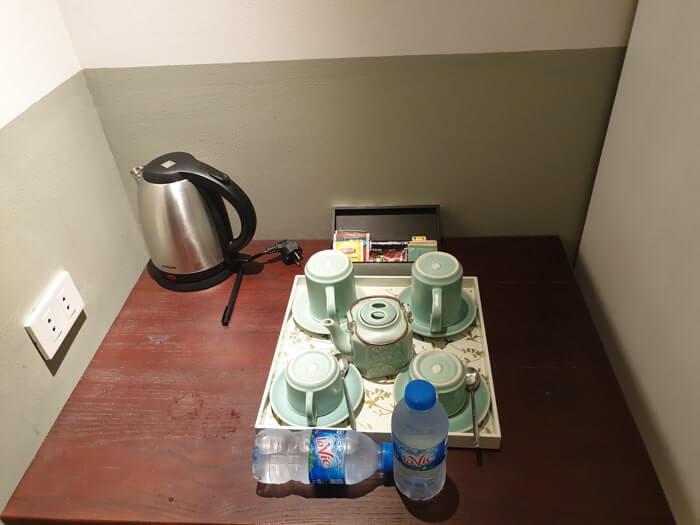 どうしても水道水を飲みたい時はホテルに備え付けの湯沸かし器を利用しましょう